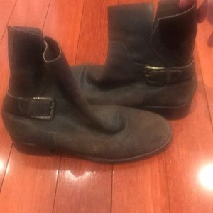 Donald J Pliner distressed boots!